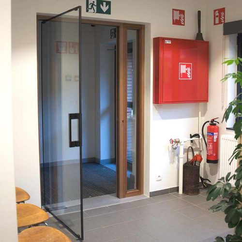 Lunax fire resistant glass door